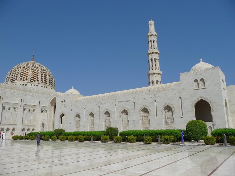 mascate-grande-mosquee-sultan-qaboos-decouverte-oman-michel-bessone