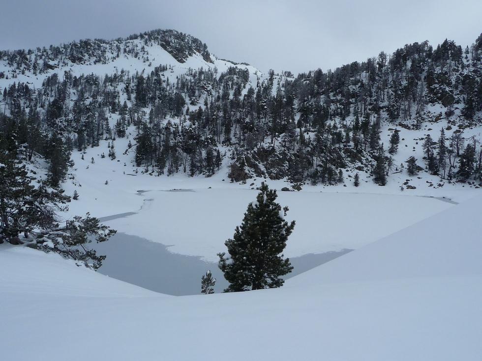 lac inferieur-bastan-raquettes-massif du neouvielle-pentecote