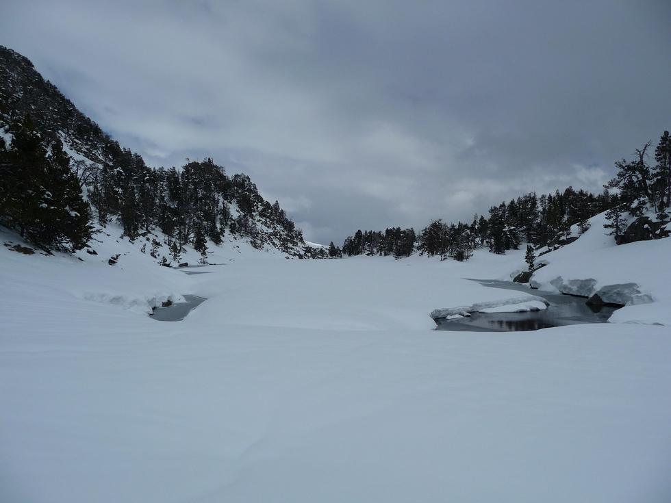 lac de l ours-estibere-raquettes-massif du neouvielle-pentecote