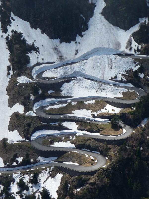 lacets-route des lacs fermee-raquettes-monpelat