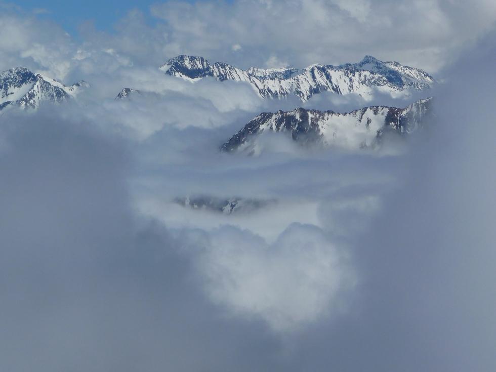 formes etranges de nuages-raquettes-monpelat