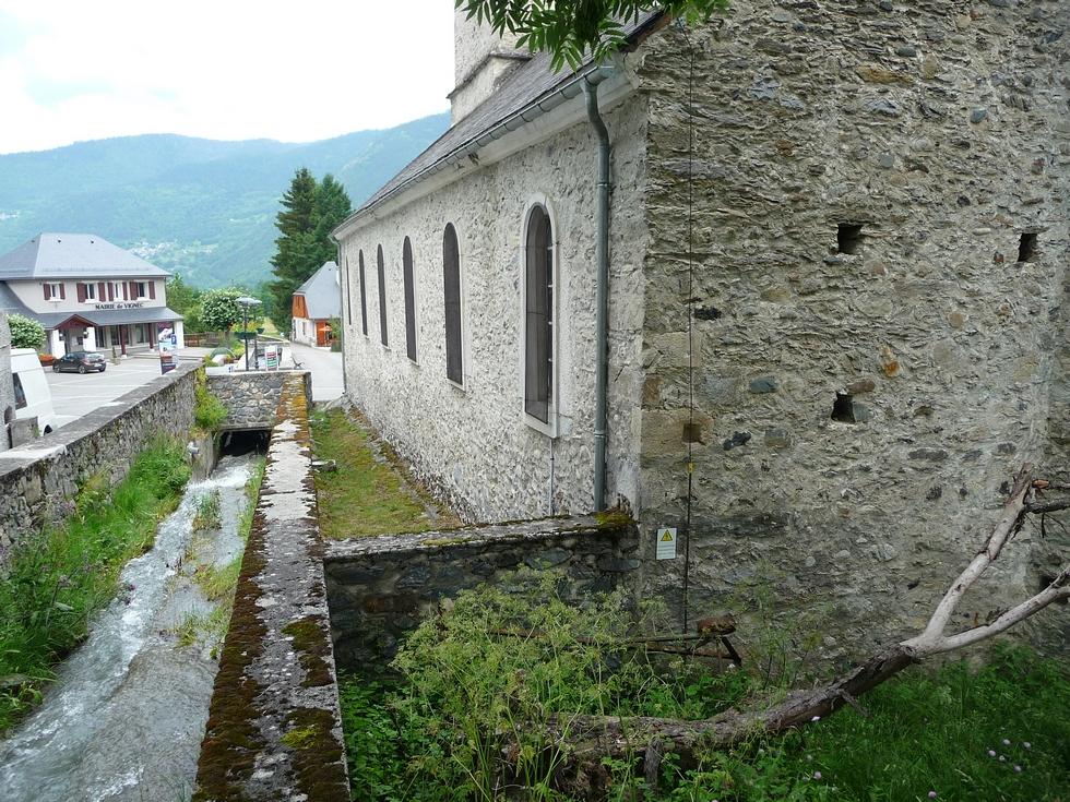 eglise-vignec-pierres-gallo-romaines-en-danger-vallee-aure