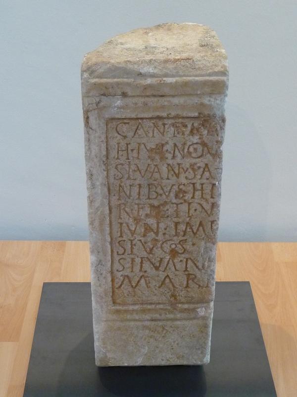 stele-campanus-silvanus-expo-desirs-d-eternite