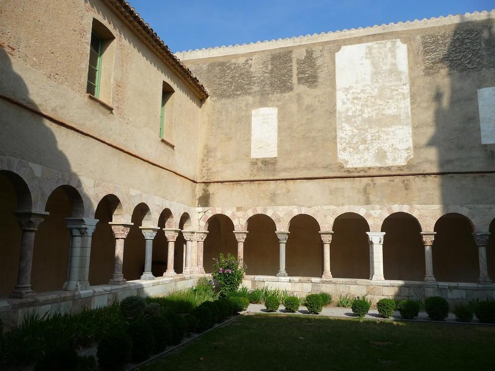 cloitre-abbaye-saint-genis-des-fontaines-retour-collioure