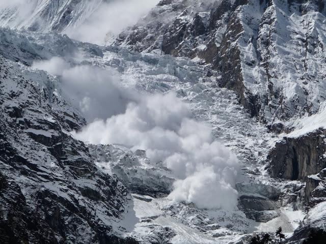 avalanche-tour-des-annapurnas-nepal