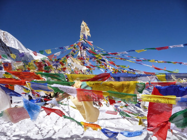 drapeaux-a-prieres-tour-des-annapurnas-nepal
