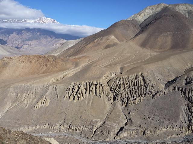descente-vallee-kali-gandaki-tour-des-annapurnas-nepal