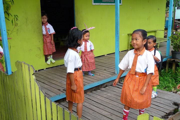 ecolieres-ecolier-banjarmasin-voyage-indonesie