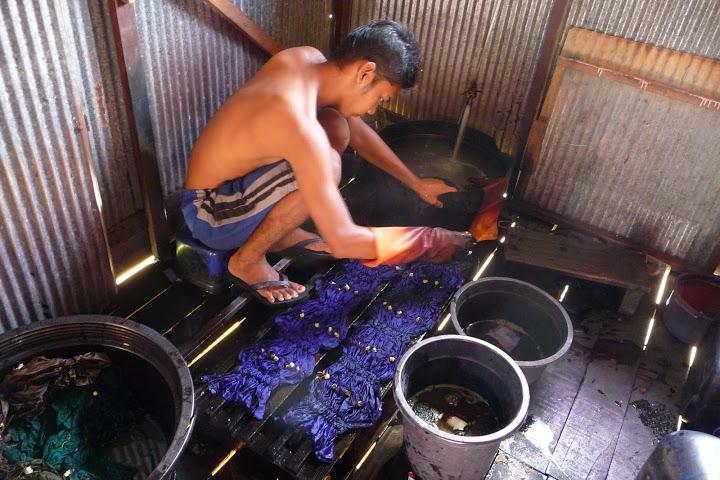 fabrication-sasirangan-voyage-indonesie