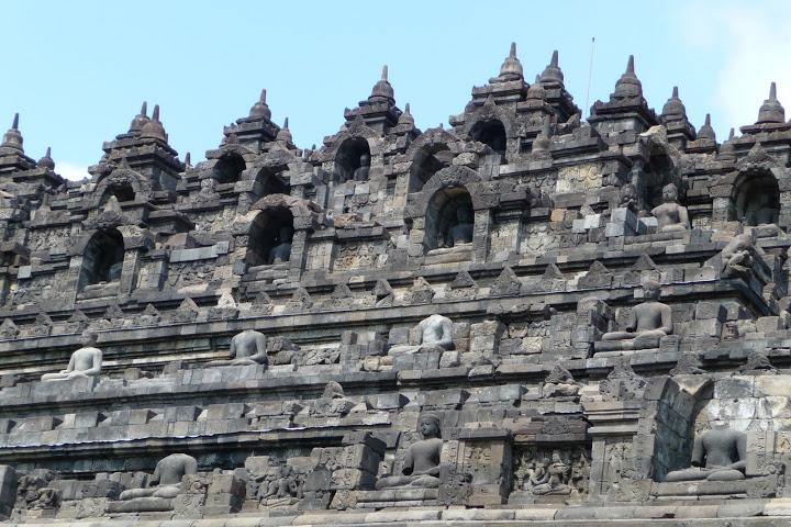 temple-borobudur-java-voyage-indonesie