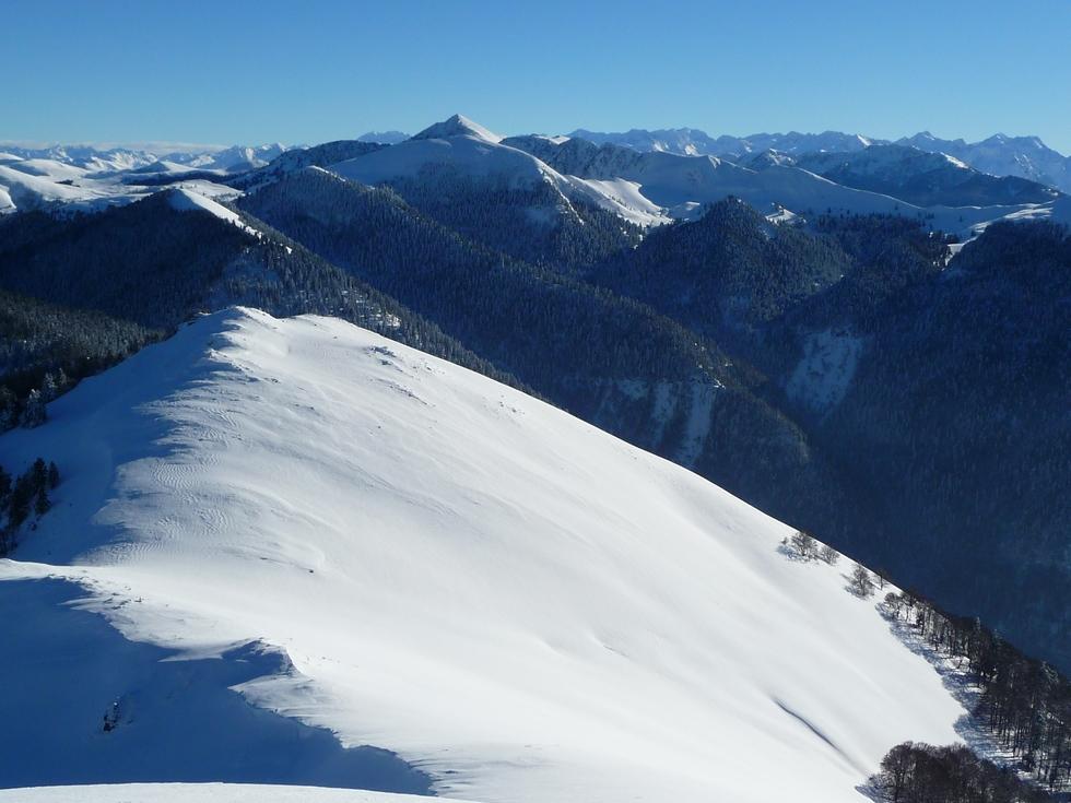 glouppe-hup-montagne-areng-vers-le-col-de-loyos-neige-de-cinema