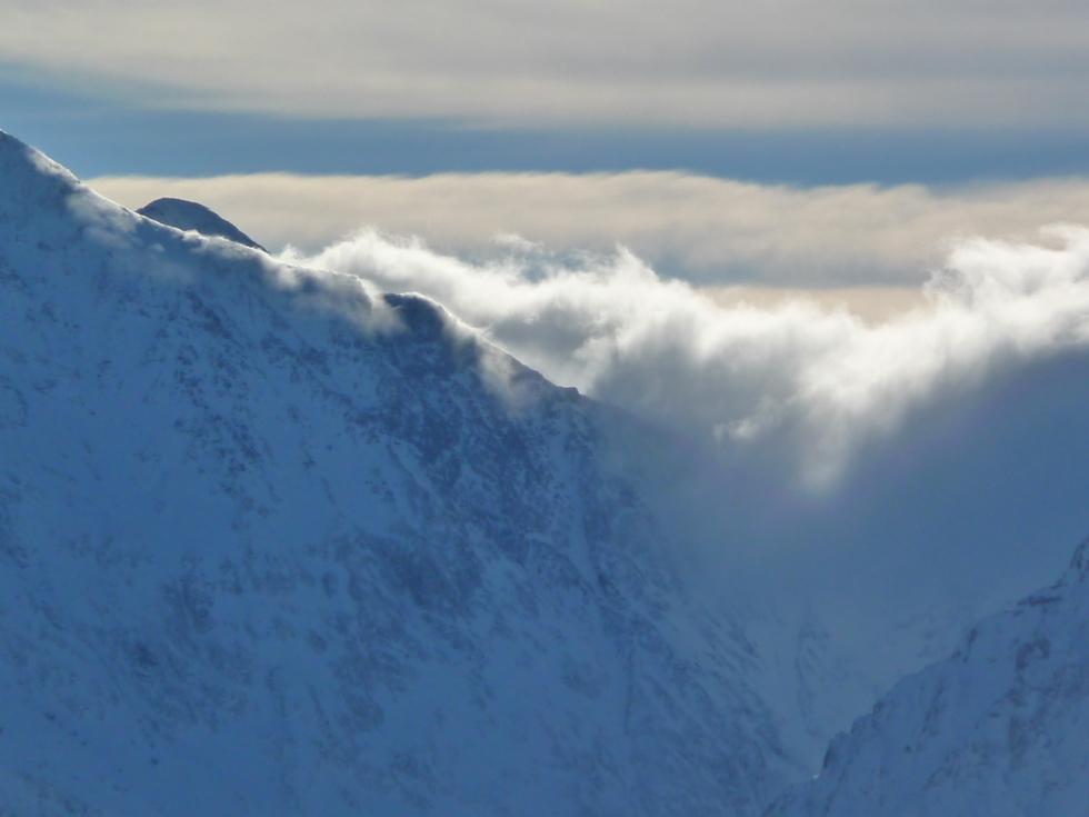 nuages-espagne-port-la-pez-raquettes-pouyaue