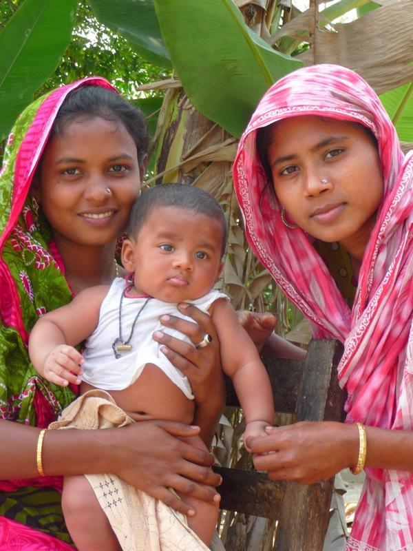 petit-adnan-maman-kanok-afiah-bangladesh-chez-des-amis-voyage-d-exception
