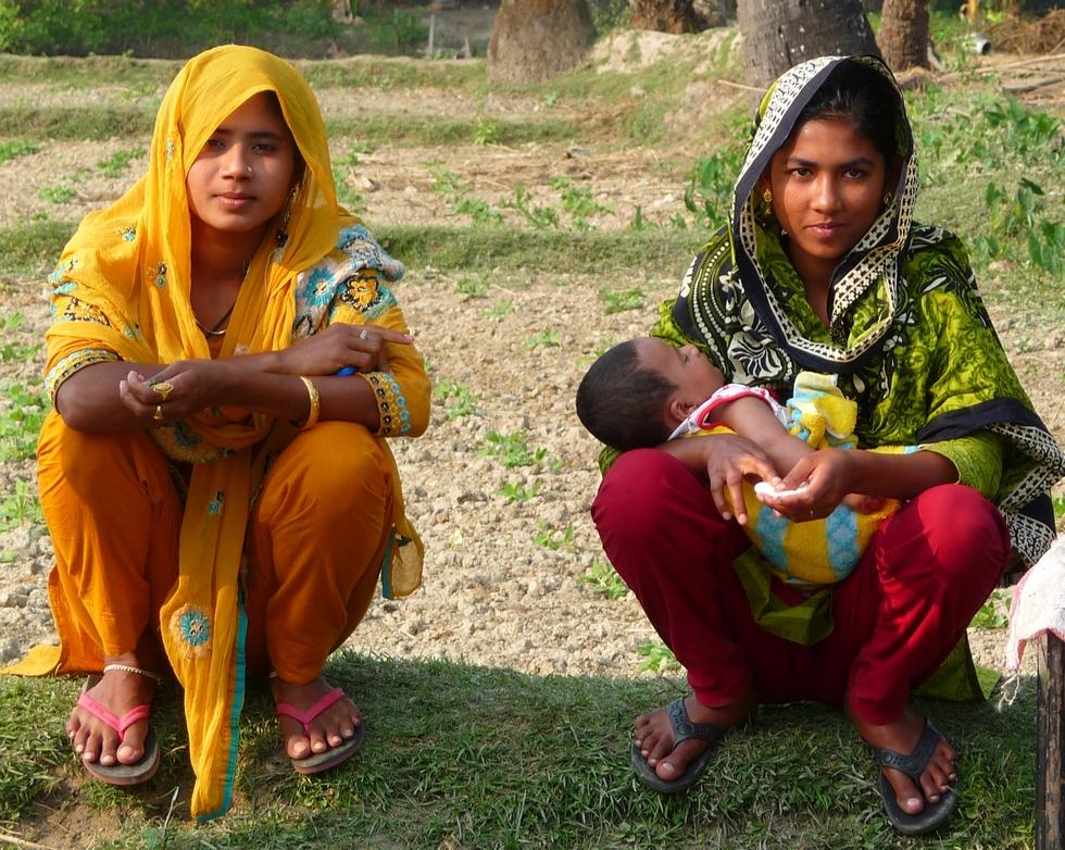 on reconnait-kanok-bebe-adnan-bangladesh-chez-mes-amis-voyage-d-exception
