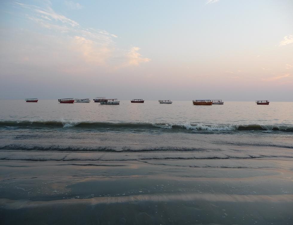 embarcations-touristiques-golfe-du-bengale-bangladesh-chez-mes-amis-voyage-d-exception