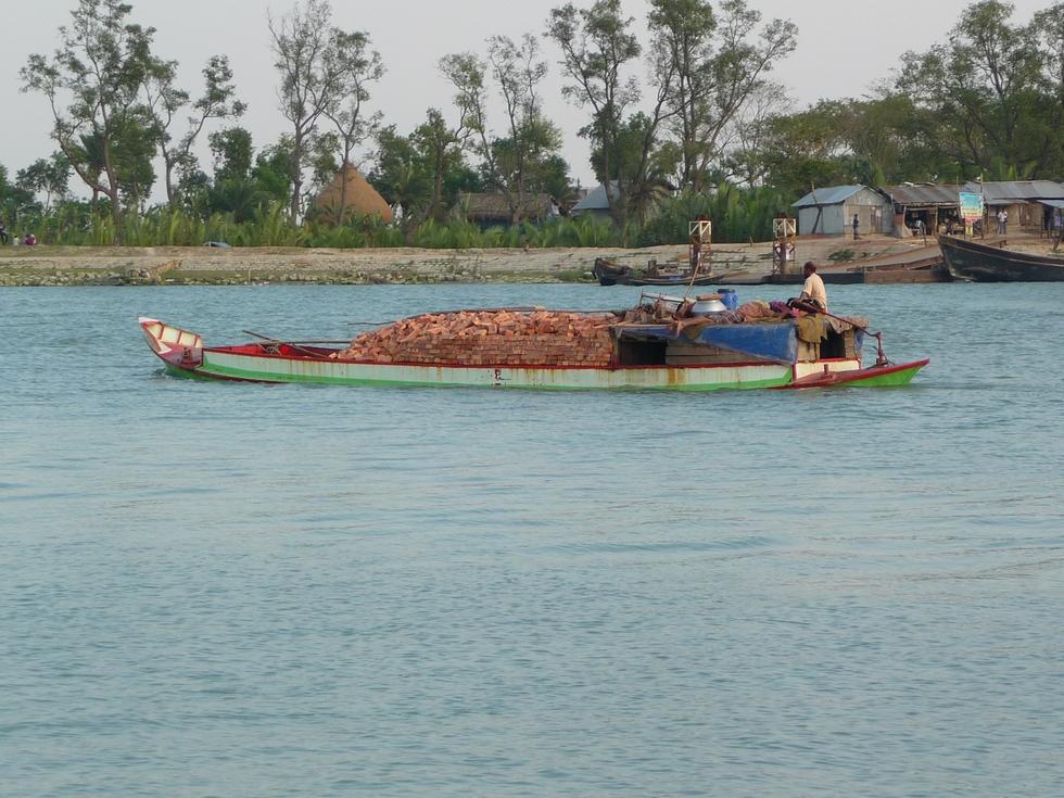 transport-briques-bangladesh-chez-mes-amis-voyage-d-exception