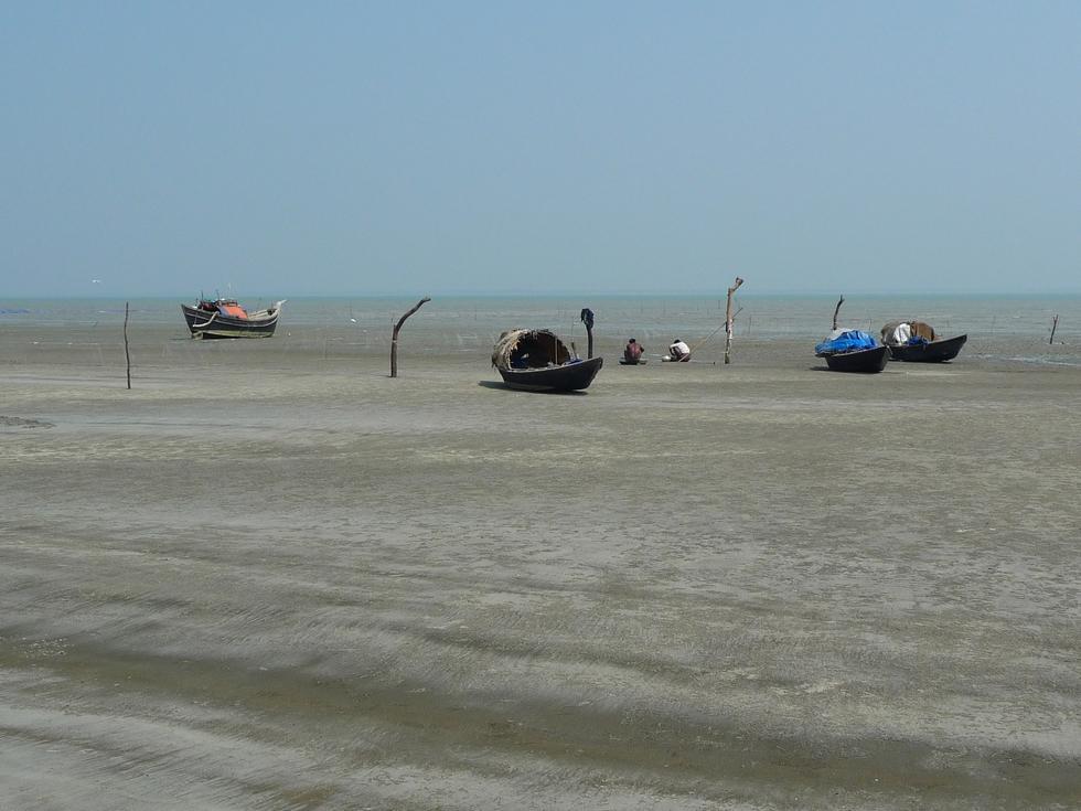 attendant-la-maree-pour-aller-pecher-bangladesh-chez-mes-amis-voyage-d-exception