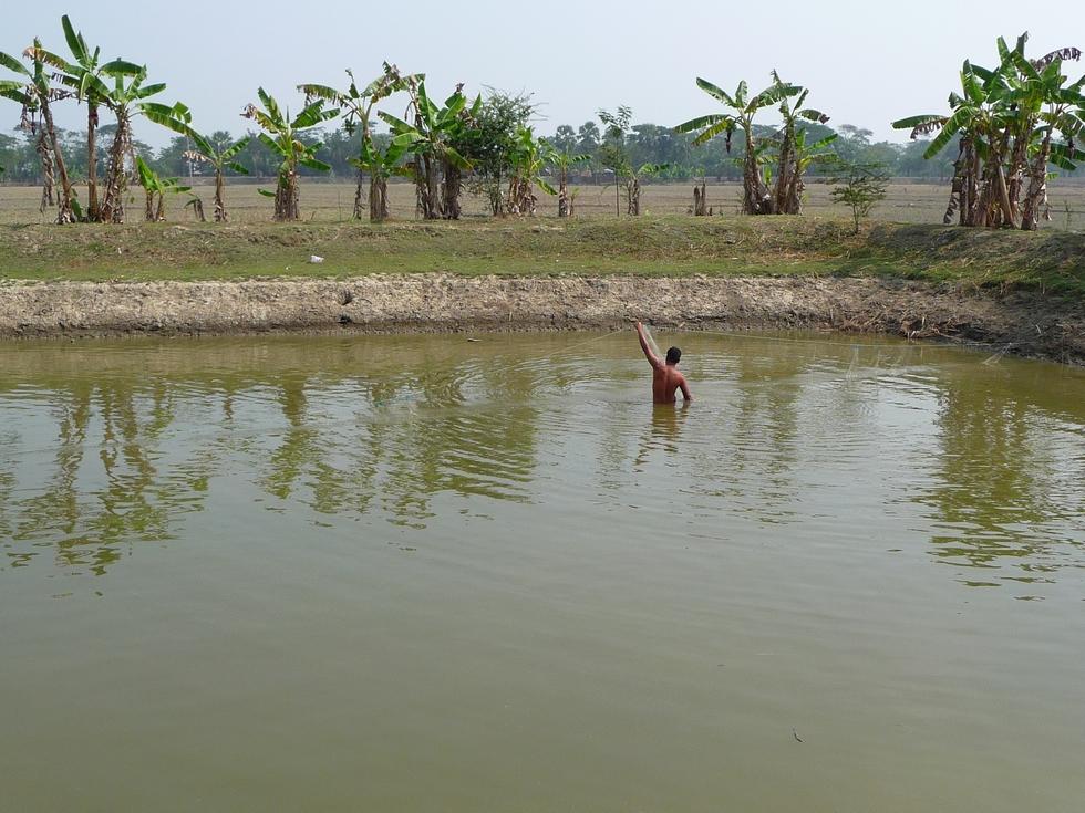 rubel-installe-filet-bangladesh-chez-mes-amis-voyage-d-exception