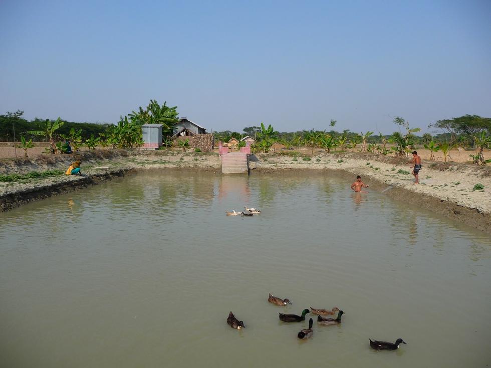 plan-eau-voisin-toujours-de-famille-bangladesh-chez-mes-amis-voyage-d-exception