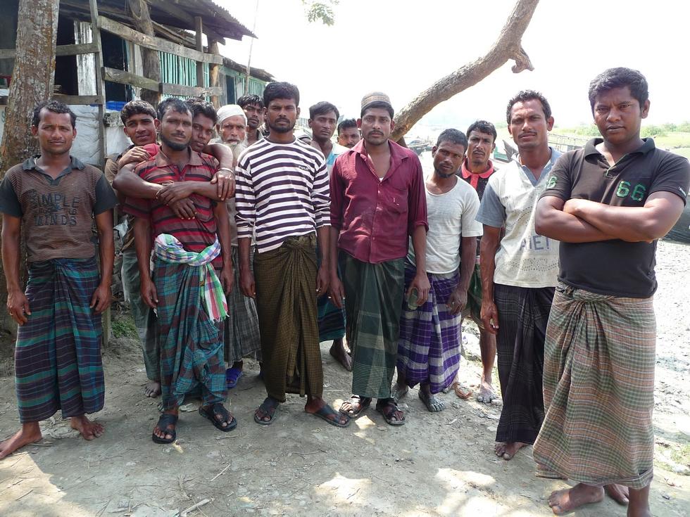 groupe-pecheurs-golfe-du-bengale-bangladesh-chez-mes-amis-voyage-d-exception