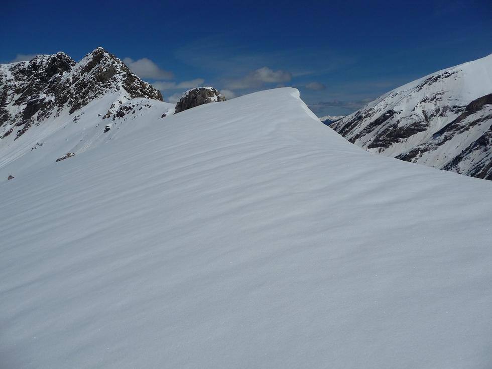 beaux-champs-de-neige-col-de-aiguillette