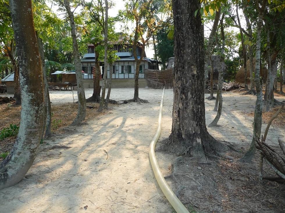 en-contournant-la-maison-bangladesh-chez-mes-amis-voyage-d-exception