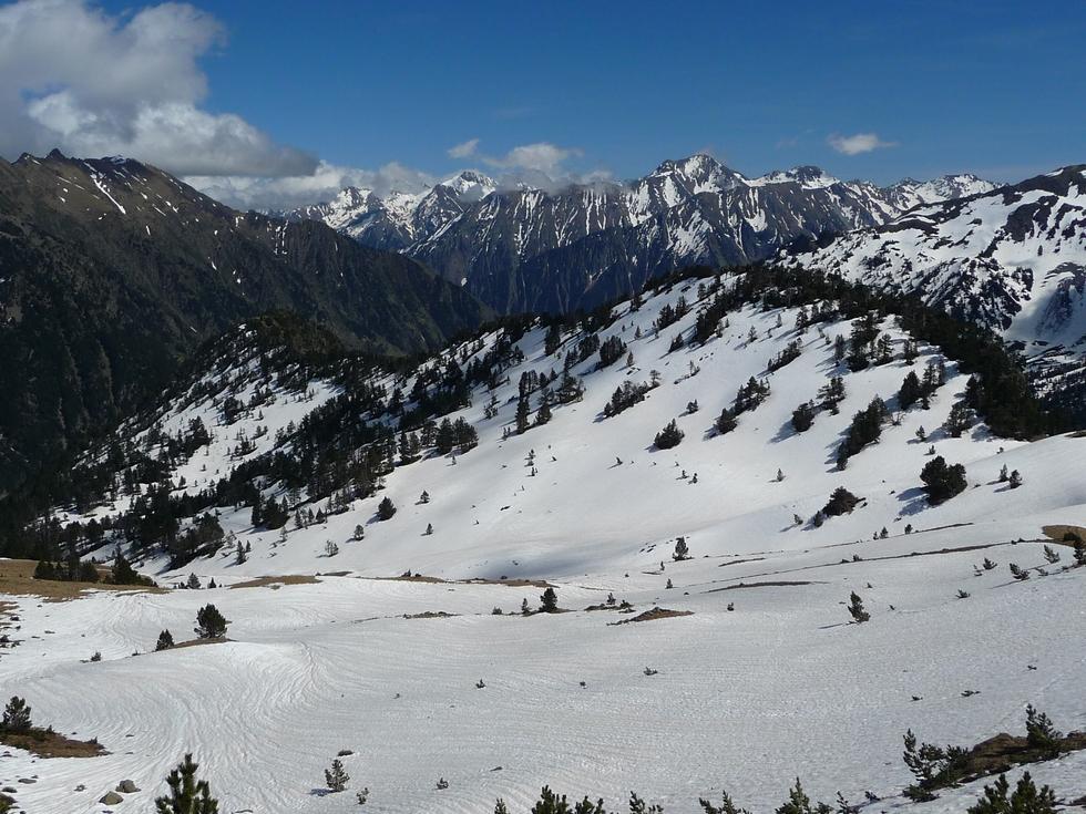 encore-de-beaux-champs-de-neige-versant-oule-retour-sans-raquettes-au-monpelat