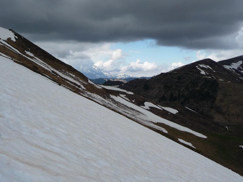 neves-printaniers-il-reste-encore-de-la-neige-crampons-raquettes