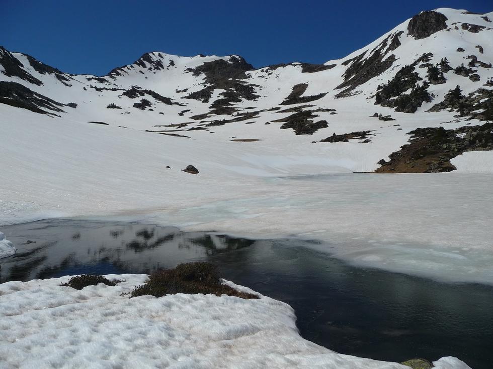lac-superieur-pic-estibere-dans-vallon-estibere-raquettes
