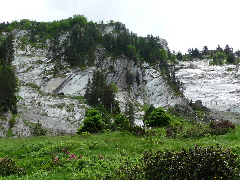 sous-dalles-schiste-cap-du-mont-boucle-au-depart-ens