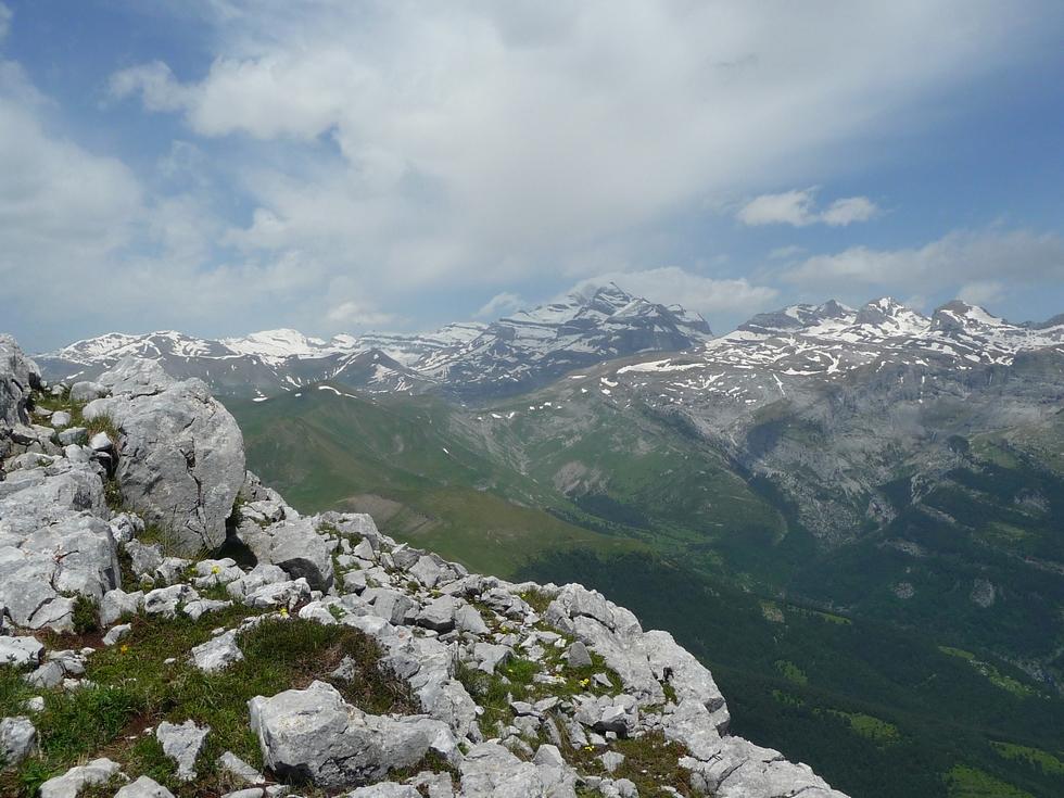 vue-vers-massif-mont-perdu-castillo-mayor