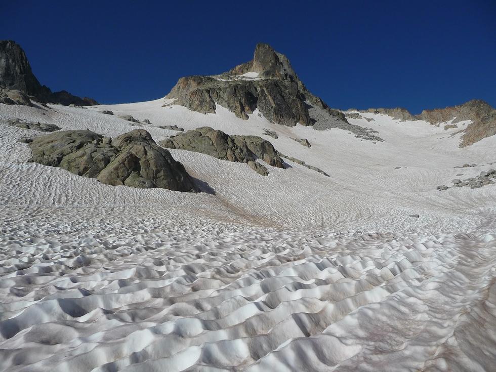 on-se-croirait-presque-sur-glacier-randonnee-fraicheur-pic-neouvielle