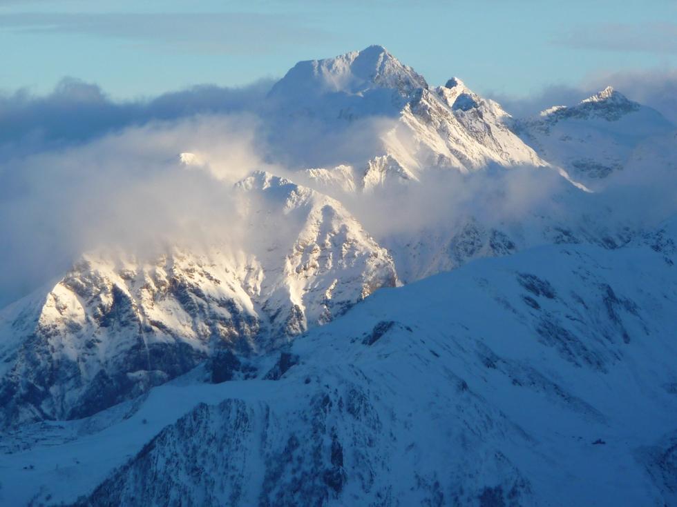 massif-hourgade-en-vallee-aure-neige-rendez-vous-faire-raquette