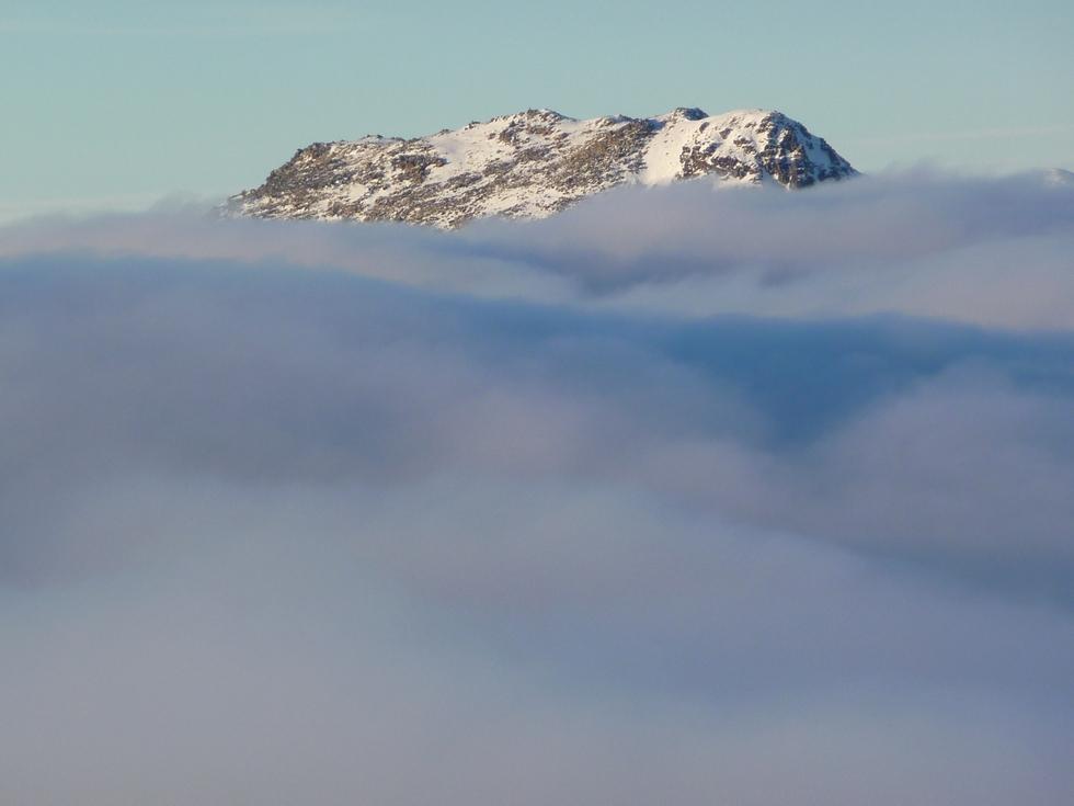 une-île-le-montious-depuis-cap-pene-soulit-beaux-points-de-vue