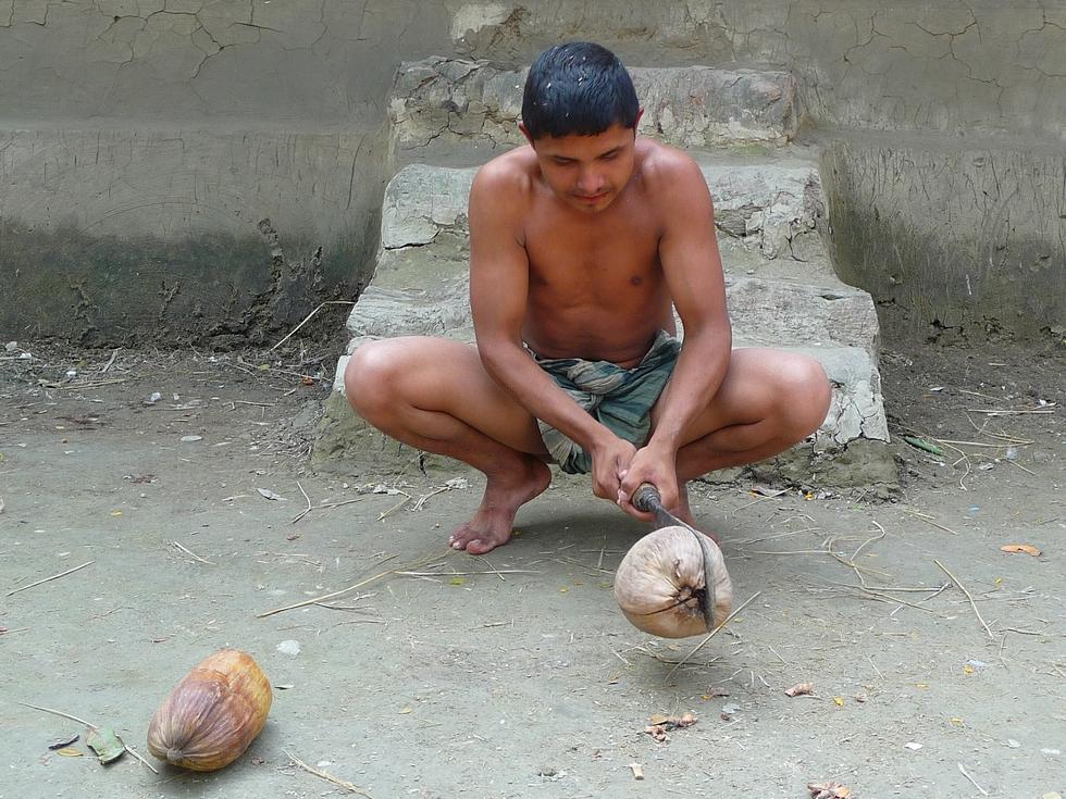 yamin-cousin-rubel-fendant-noix-coco-bangladesh-second-travel-1