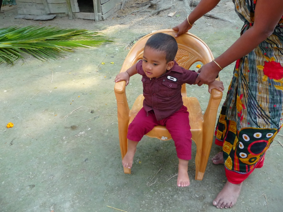 adnan-afik-bien-sur-le-fils-de-rubel-et-kanok-bangladesh-second-travel-1