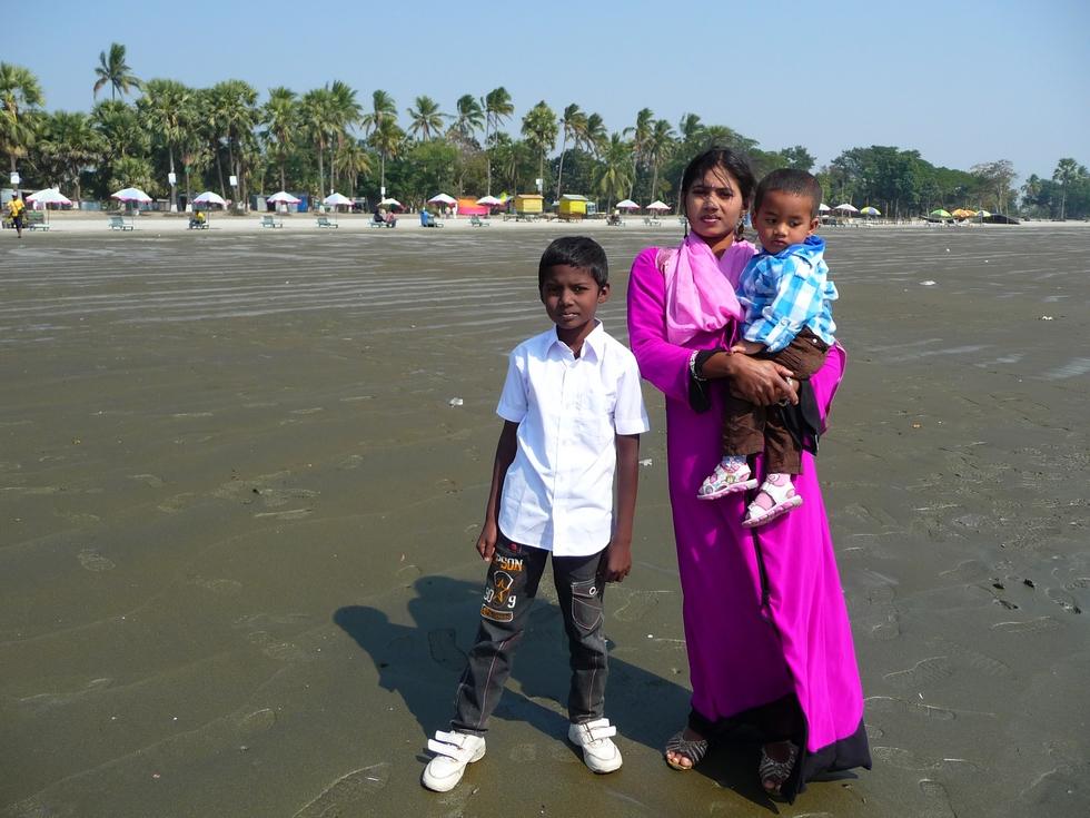 chomapto-kanok-adnan-kuakata-bangladesh-second-travel-1