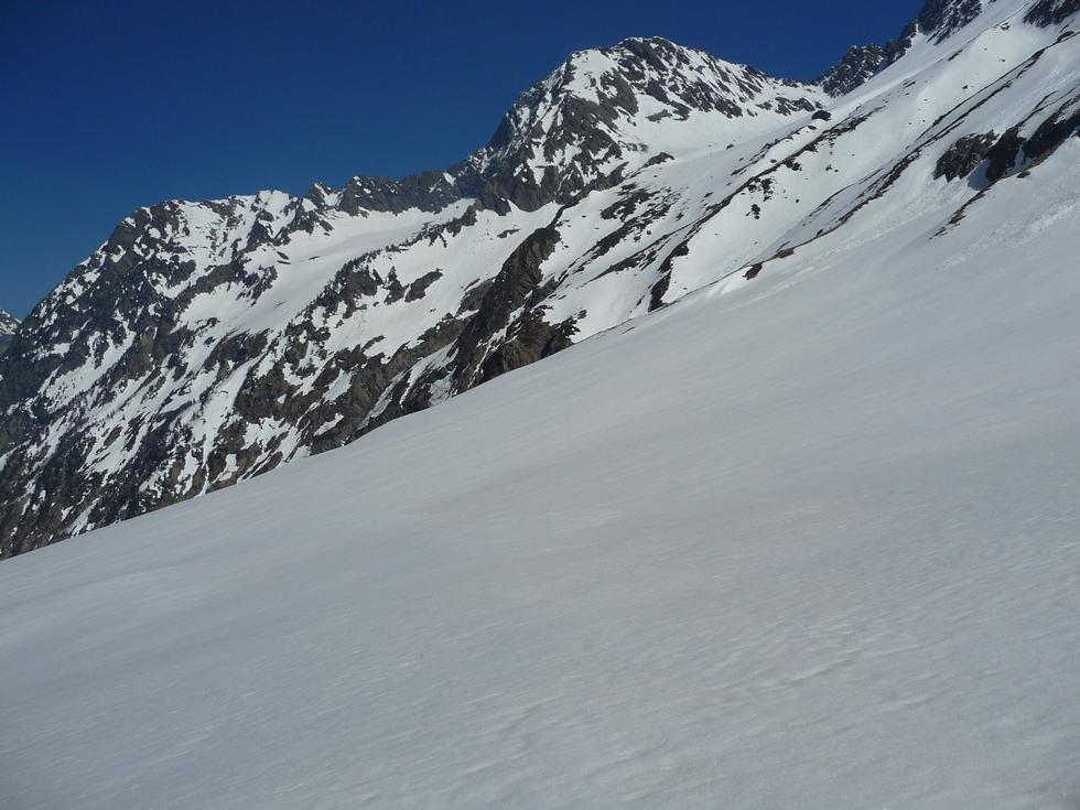 champs-de-neige-du-retour-et-pic-la-hourque-vallon-la-pez-lundi-de-paques