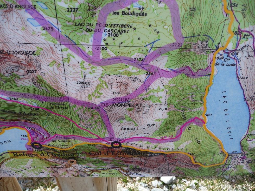 trace-correspondant-coulee-sur-panneaux-reserve-naturelle-neouvielle-raquette-printemps-vallon-estibere