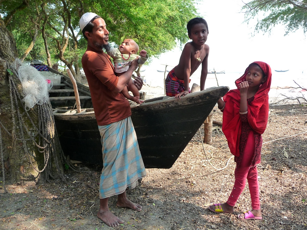 un-pecheur-et-ses-enfants-bangladesh-second-travel-3