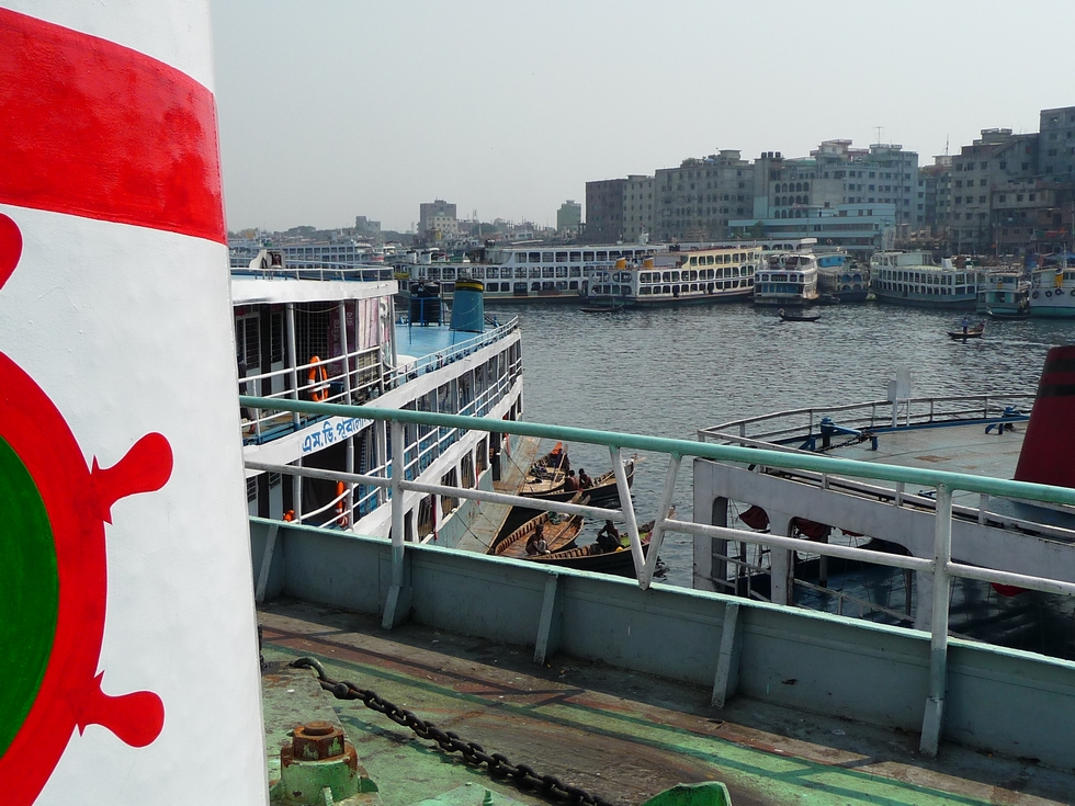 depuis-haut-navire-vue-vers-autre-rive-buriganga-bangladesh-second-travel-4