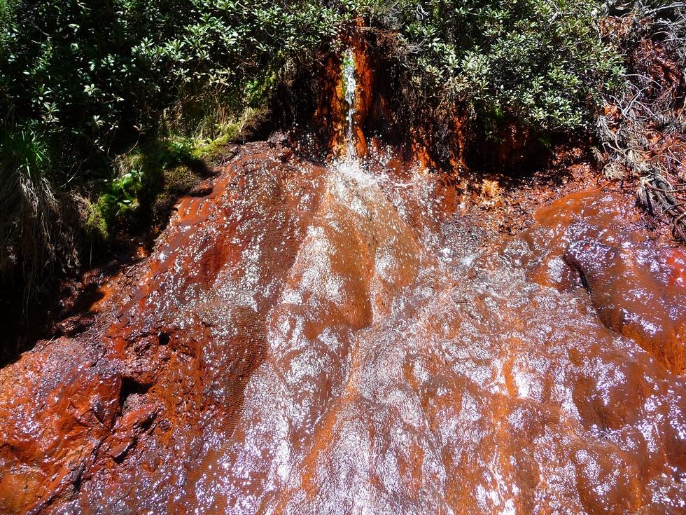 en-boire-pour-avoir-sante-de-fer-lacs-millares-ibon-millas-ibon-lenes