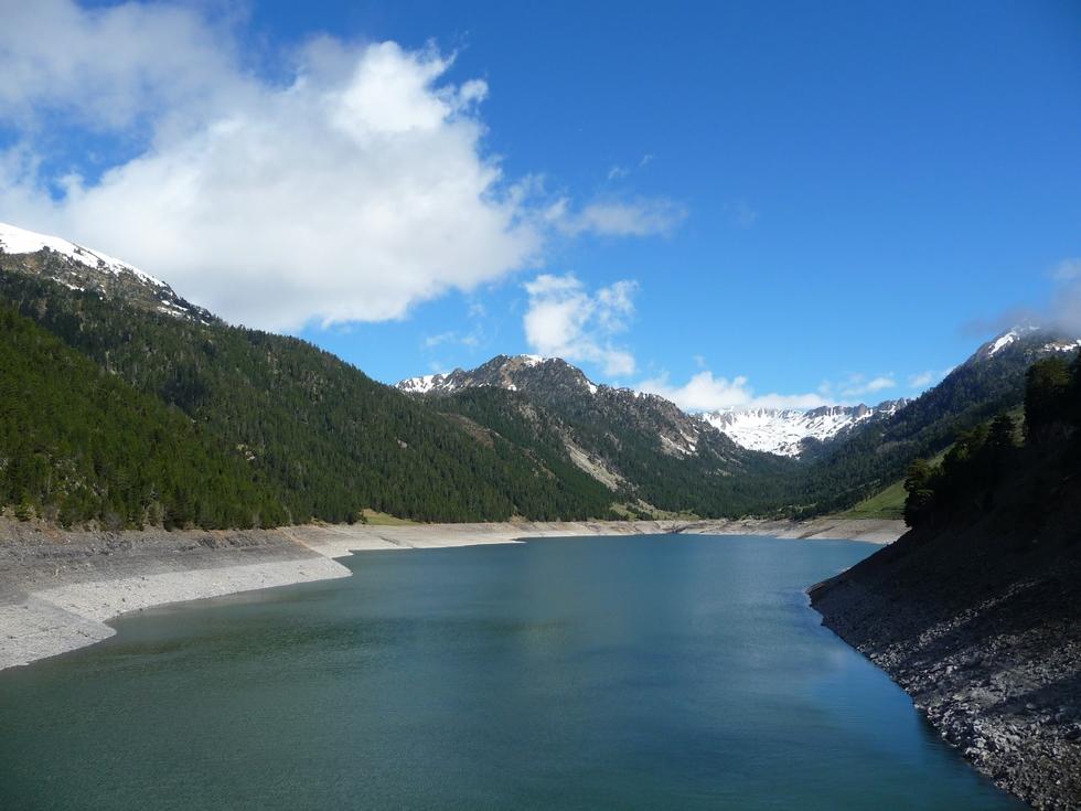 lac-oule-se-remplit-dernieres-neiges-en-raquettes-lacs-bastan