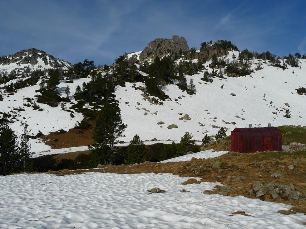 cabane-rouge-au-lac-port-bielh-canards-sauvages-raquettes-et-canicule