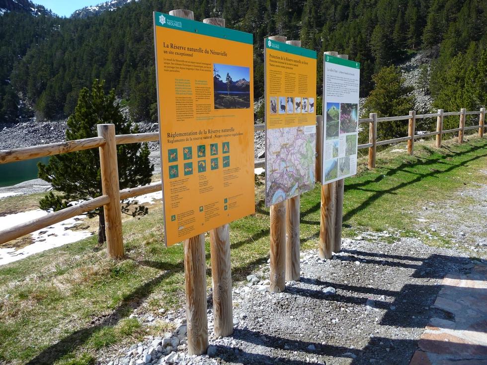 reserve-naturelle-neouvielle-panneaux-porte-entree-oredon-grosse-avalanche-cet-hiver-au-monpelat-3