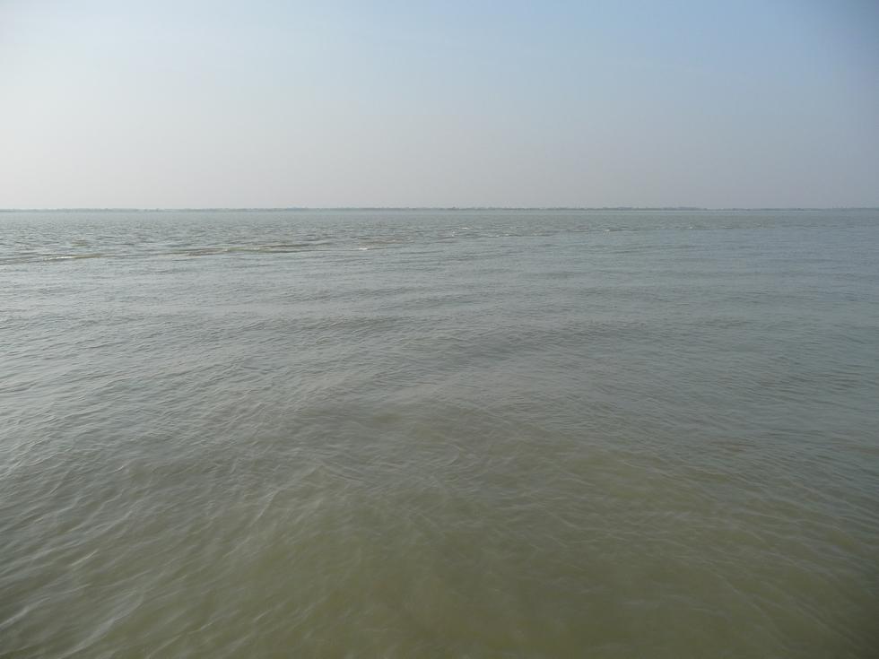 courants-curieux-et-par-endroits-guere-de-fond-bangladesh-second-travel-5