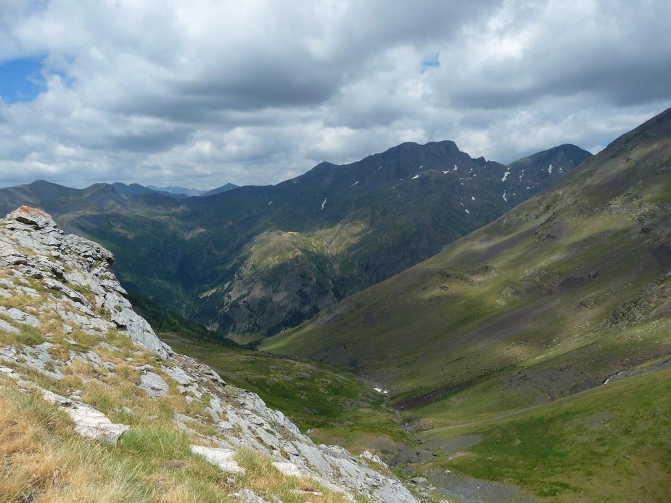 des-nuages-sombres-vers-batoua-et-france-batchimale-alias-schrader
