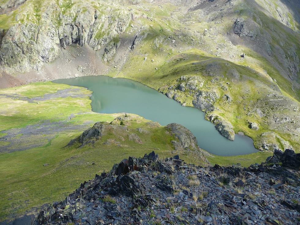 descente-sur-lac-moudang-pic-arriouère-gorgs-tringoniero