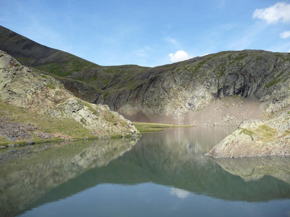 au-bord-lac-moudang-pic-arriouère-gorgs-tringoniero
