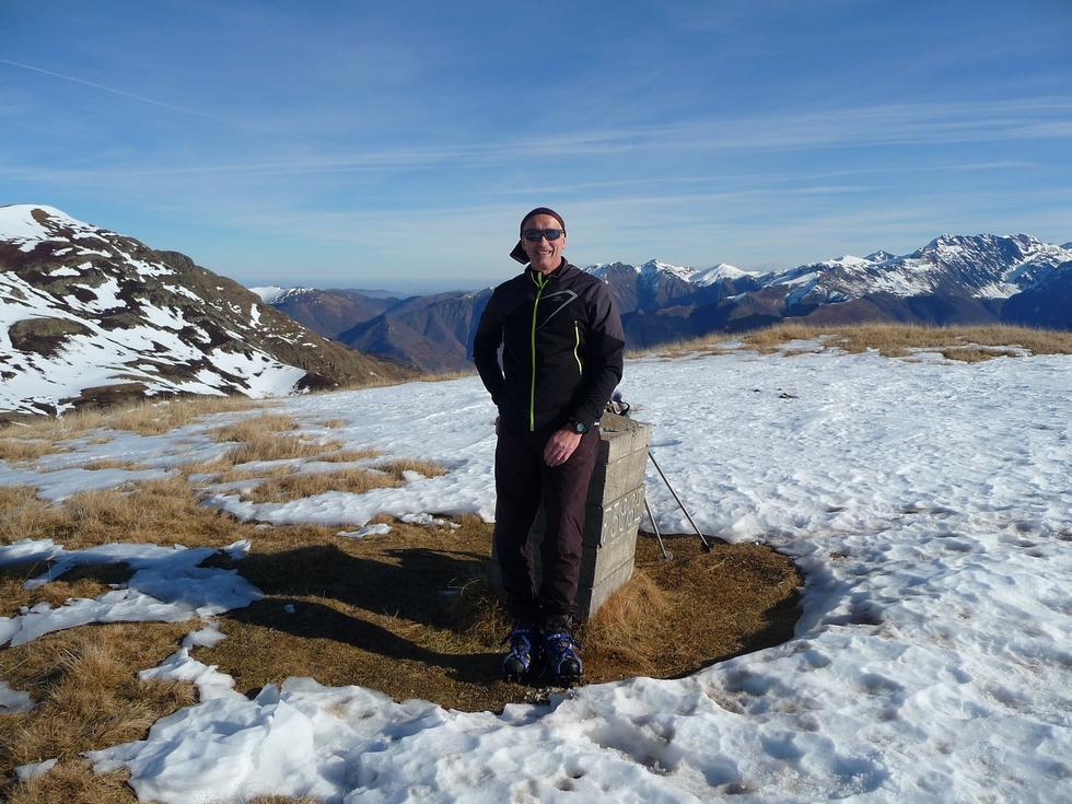 regis-et-borne-frontiere-au-sommet-plan-montmajou-joyeux-noel-depuis-plan-montmajou